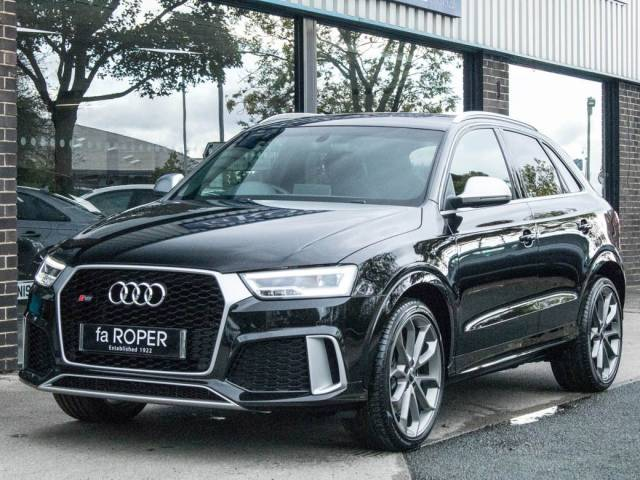 Audi RS Q3 2.5T FSI quattro S tronic 340ps Estate Petrol Mythos Black Metallic at fa Roper Ltd Bradford